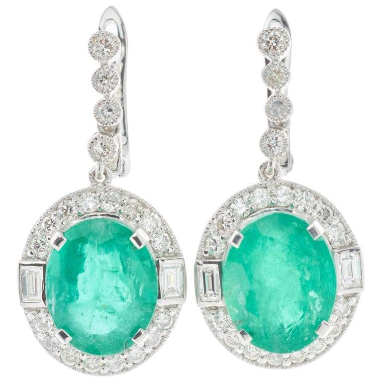Emerald Diamond Platinum Earrings For Sale at 1stdibs