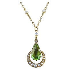 Edwardian Peridot and Seed Pearl Pendant Necklace in 9 Carat Gold