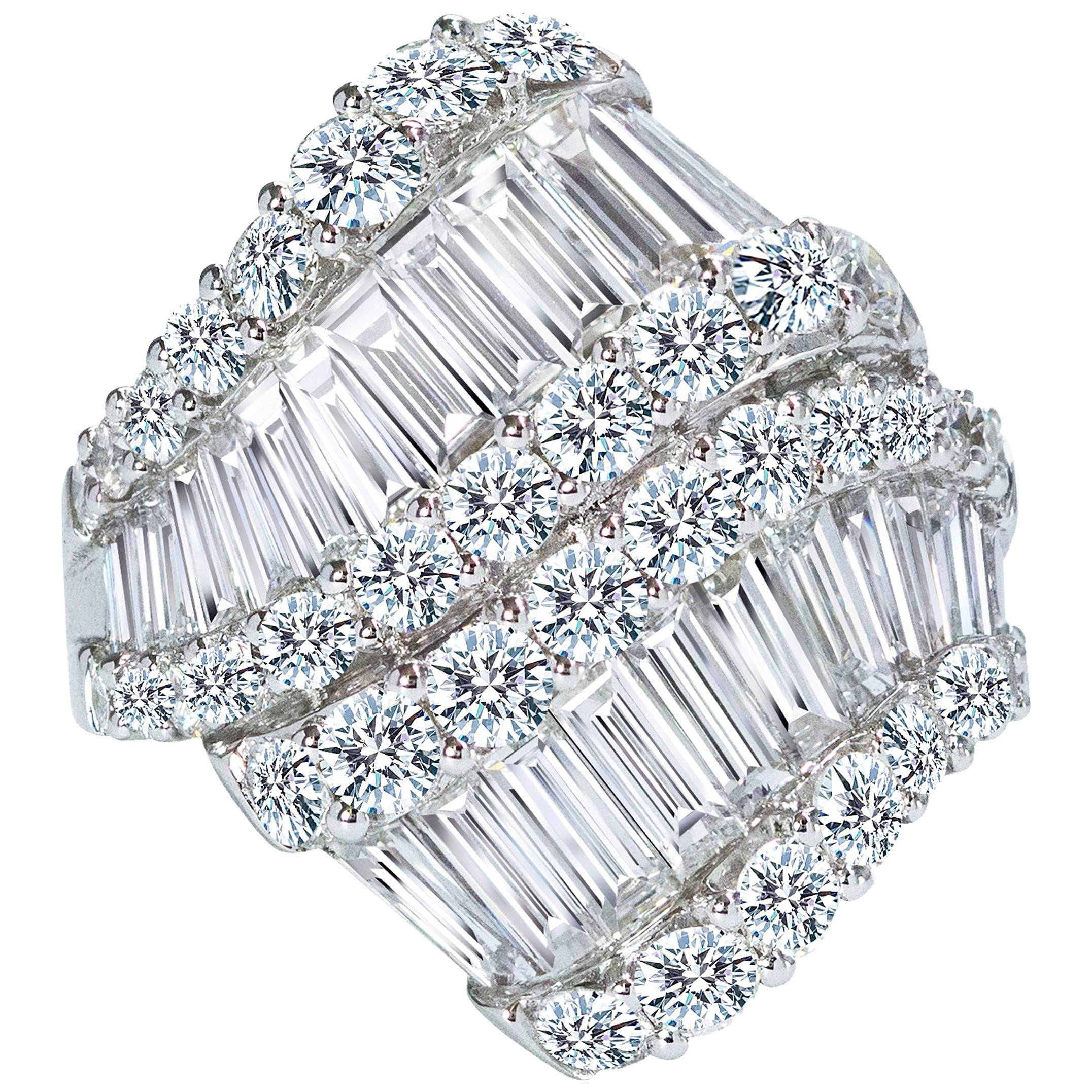 Fashionable Baguette and Round Brilliant Diamond Gold Ring