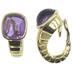 1970s Van Cleef Arpels Amethyst Ribbed 18 Karat Yellow Gold Earclips