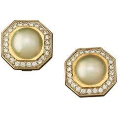 1980s Mabe Pearl Diamond Yellow Gold Clip Earrings