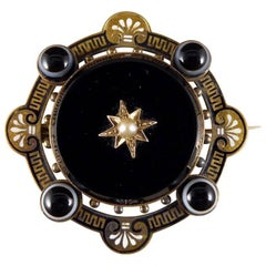Victorian Onyx, Pearl and Banded Agate Pendant Brooch in 15 Carat Gold