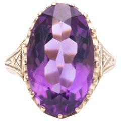 Victorian Period Amethyst Solitaire Ring in Yellow Gold