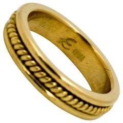 Elizabeth Locke 18 Karat Yellow Gold Band with Rope Centre