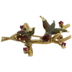 Luise Classical Gold Brooch with Rubies