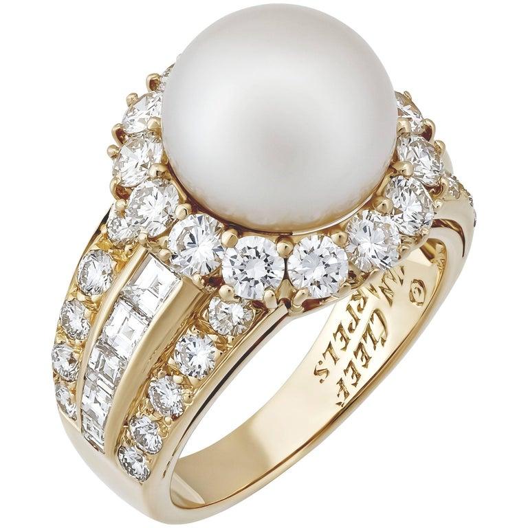 Van Cleef & Arpels Diamond Pearl Gold Ring 1