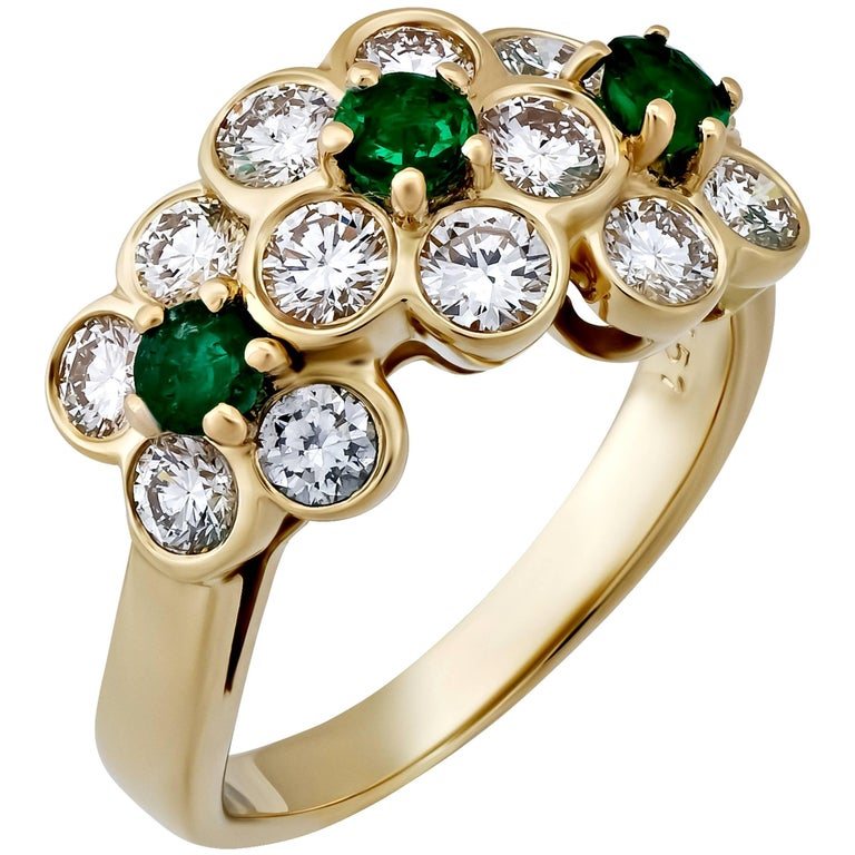 Van Cleef & Arpels Gold Diamond and Emerald Floral Ring