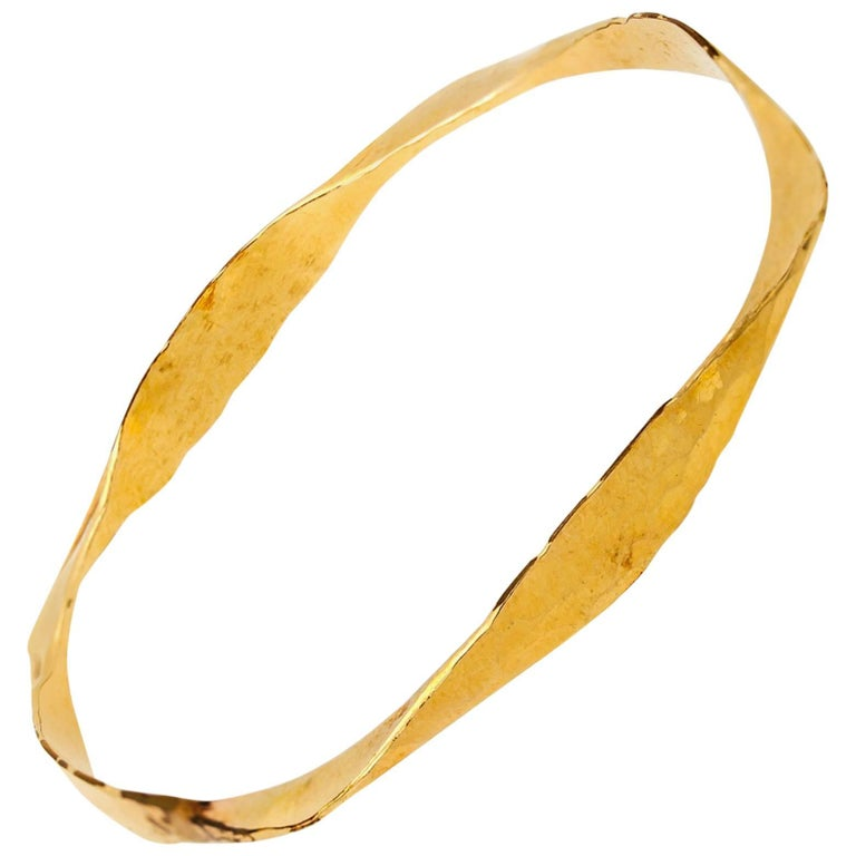Hammered Gold Bangle in Twisted Yellow Gold