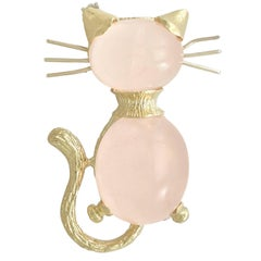 1960s 7.06 Carat Rose Quartz and Yellow Gold Cat Brooch
