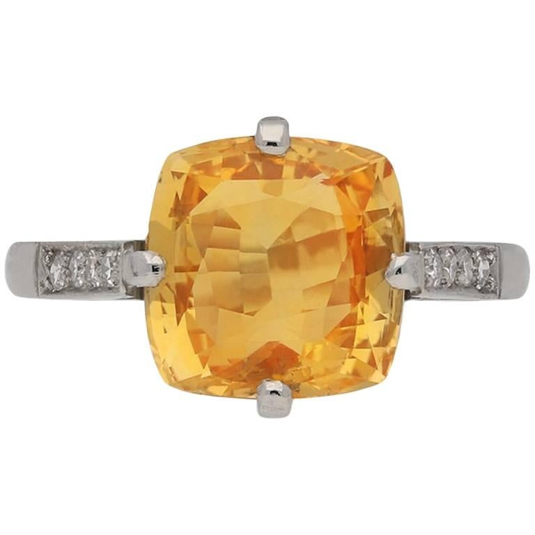 Rare 4.03 Carat Orange Sapphire Diamond Ring For Sale