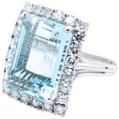 Platinum Handmade 14.79 Carat Aquamarine and G / VS Diamond Cocktail Dinner Ring
