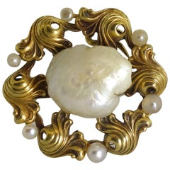 Art Nouveau Gold and Natural Fresh Water Pearl Brooch