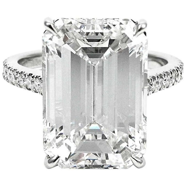 Important 9.10 Carat Emerald Cut I VS2 Diamond Pave Platinum Ring GIA Certified