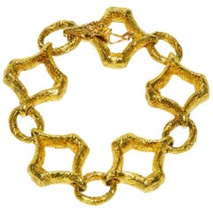 Classic VCA Textured Gold Bracelet