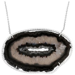 Amazing 14 Karat White Gold, Diamond and Agate Pendant Necklace