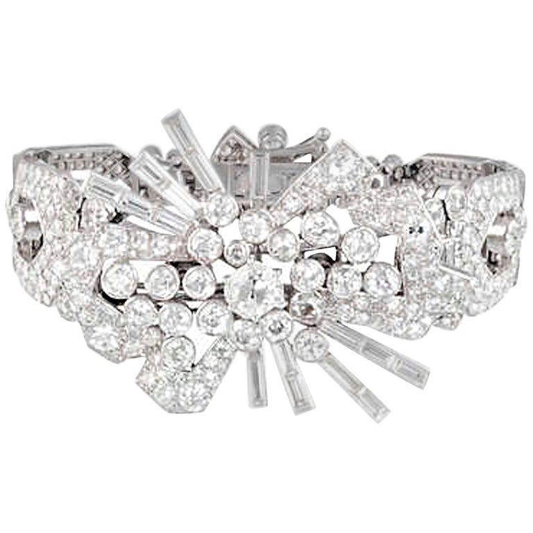 Art Deco Diamond and Platinum Bracelet Brooch Combination In Excellent Condition For Sale In Geneva, CH