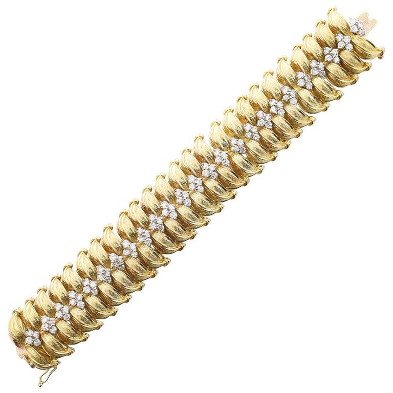 Modernist 18 Karat Yellow Gold and Diamond Leaf Link Bracelet