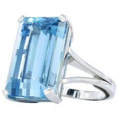 Very Fine Gübelin Aquamarine Gold Ring