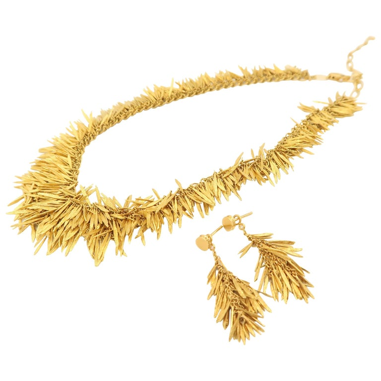 Rare H. Stern Feathers Brushed Gold Necklace and Earrings with Diamond