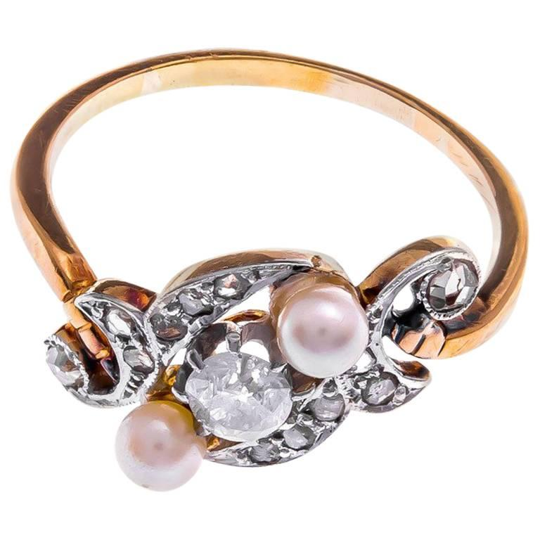 Victorian 18 Carat Yellow Gold Cultured Pearl and Diamond Ring For Sale at 1s