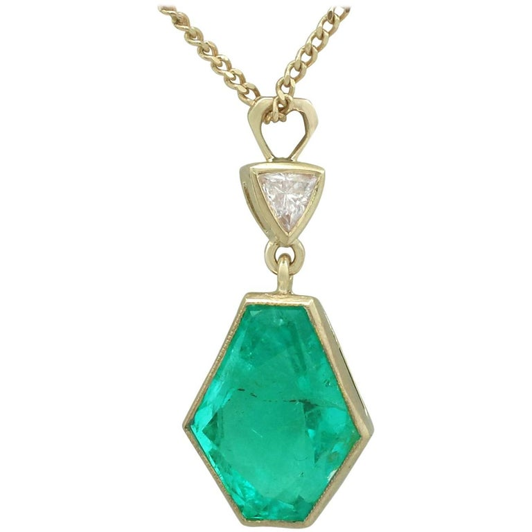 1990s Vintage Emerald and Diamond Yellow Gold Pendant