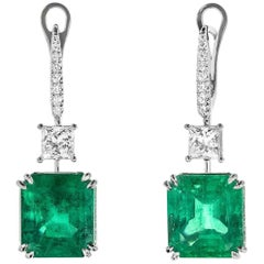 Colombian Emerald White Gold Earrings with Diamonds Gubelim Gem Lab