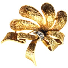 Cartier Yellow Gold Floral Bow Brooch