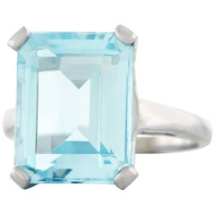 1960s Retro Aquamarine Set Gold Ring