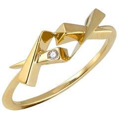 Daou Diamond Ring in 18kt Yellow Gold, Romantic Sentimental Modern Kisses Design