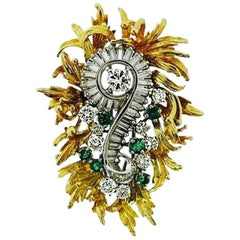 1950s 2.00 Carat Diamond Emerald 18 Karat Gold Brooch Pendant for Necklace