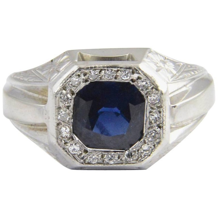 Sapphire and Diamond White Gold Ring For Sale