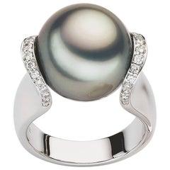 Carlos Udozzo, 18 Karat White Gold Tahitian Pearl Diamond Ring