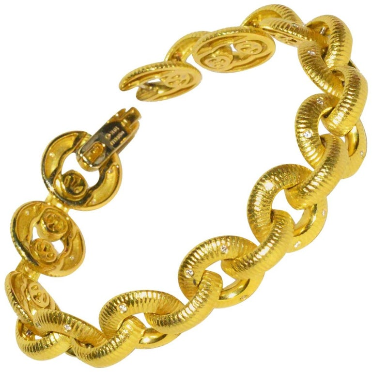 Chic Paul Morelli Gold and Diamond Bracelet For Sale