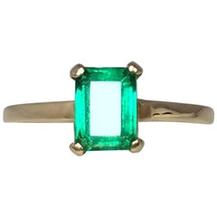 IGI Certified 1.06 Carat Vivid Green Colombian Emerald Solitaire Ring