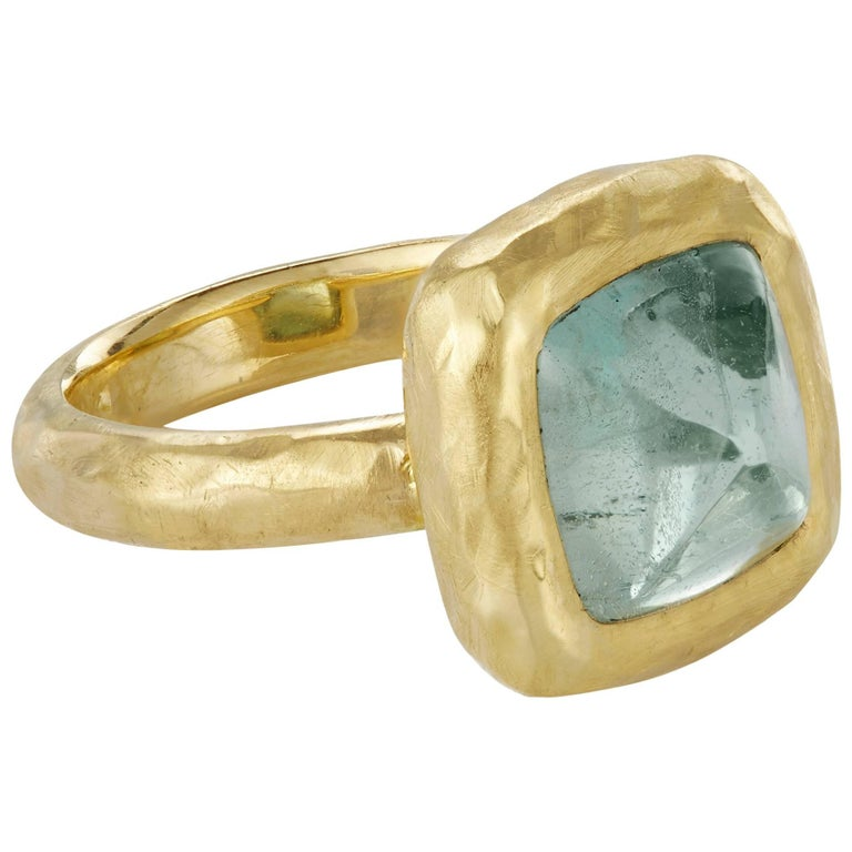 4.61 Carat Aquamarine Blue Sugarloaf Cabochon 18 Karat Gold Ring