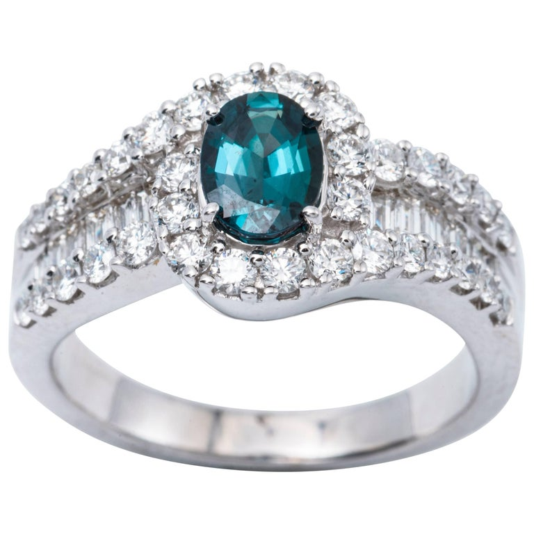 Oval Shape Alexandrite and Diamond Ring with Certificate 0.75 Carat For Sale
