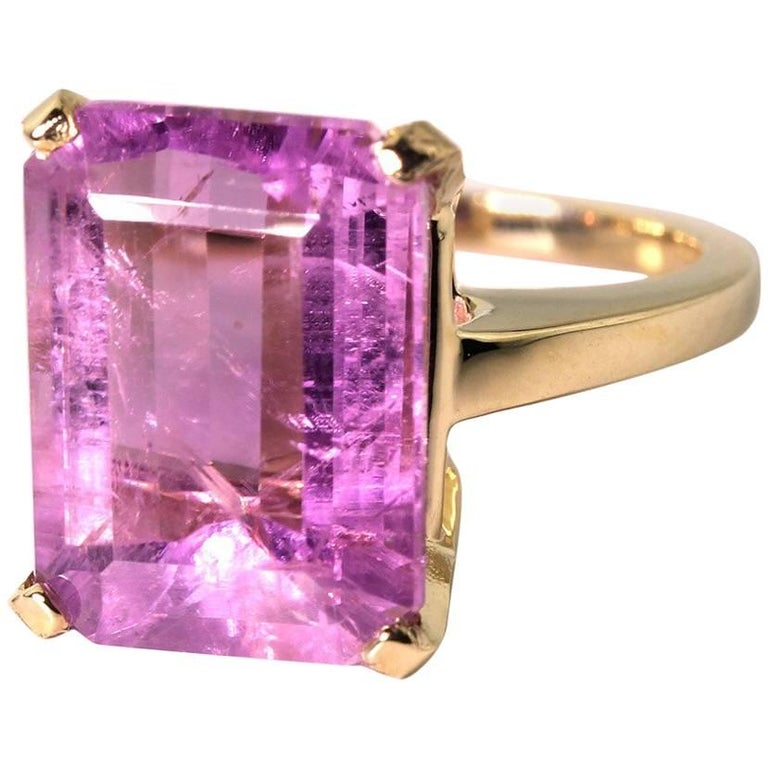 13.5 Carat Huge Kunzite 14KT Yellow Gold Party Ring