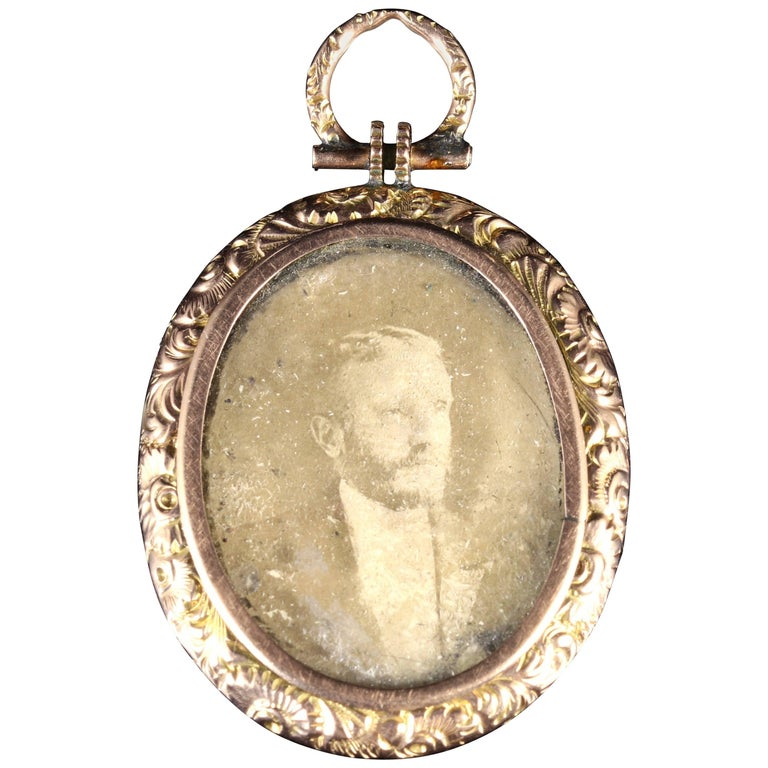 Antique Victorian Double Picture Locket Gold, circa 1890