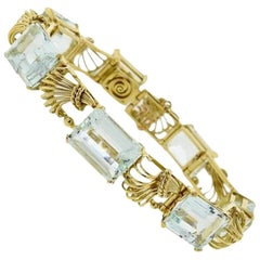Stunning 1950s Retro 44 Carat Aquamarine Gemstone and 18 Karat Gold Bracelet