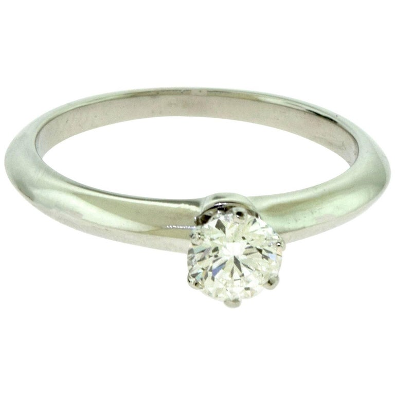 Tiffany & Co. Solitaire Diamond Engagement Ring in Platinum, GIA For Sale