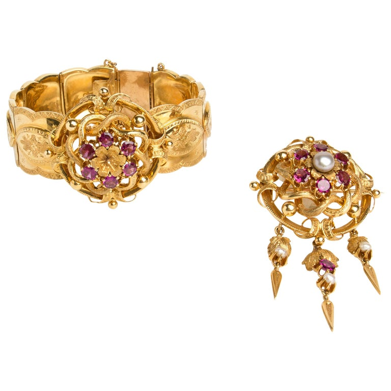 Gold Bangle and Brooch Demi-Parure, France, 19th Century