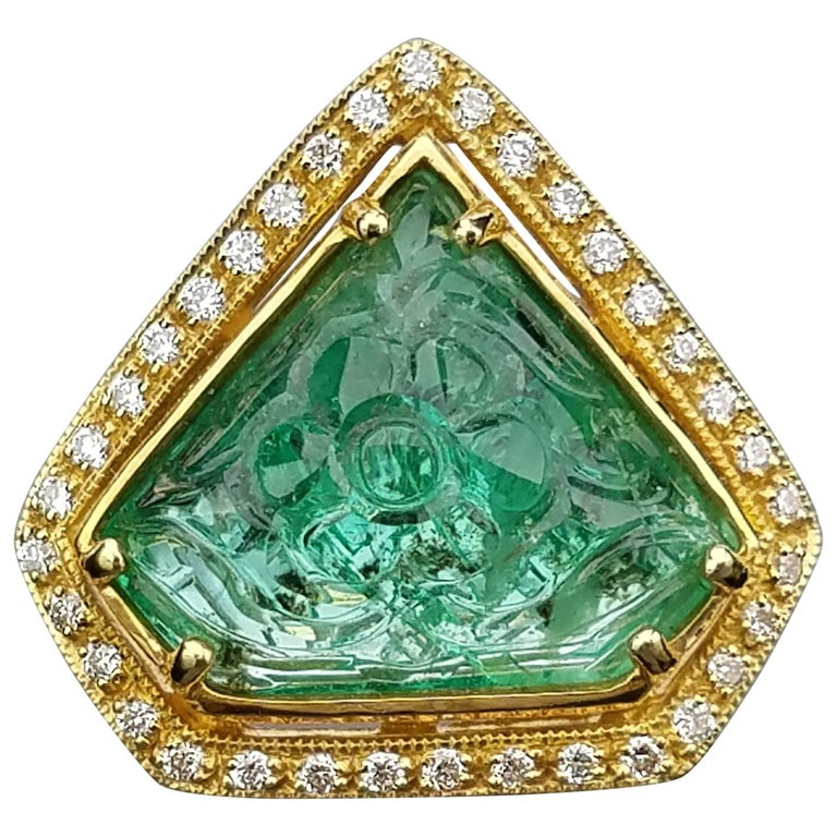Carved Emerald Diamond Cocktail Ring 1