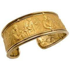 "Carrera y Carrera ""Romeo y Julietta"" Bas Relief Gold Cuff Bracelet"