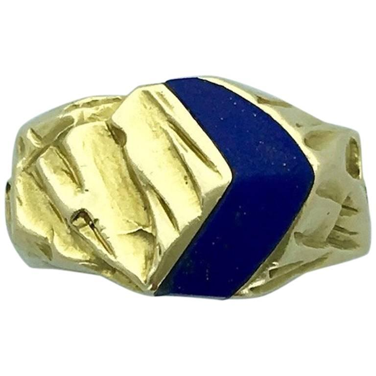 1970s Gubelin Lapis Lazuli Yellow Gold Ring