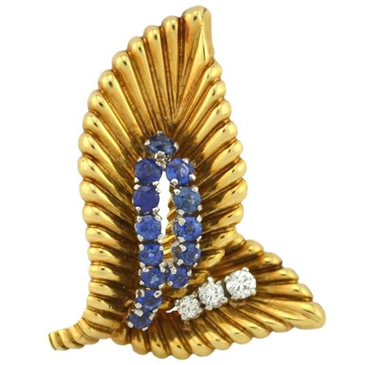 Van Cleef & Arpels 18 Karat Gold Diamond and Sapphire Leaf Clip, circa 1950
