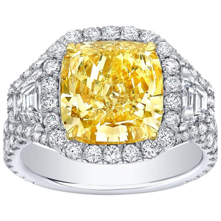 GIA Certified 4.62 Carat Fancy Yellow VS1 Cushion Canary Diamond Ring For Sale