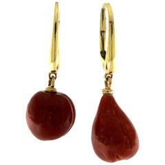 Pair of Earrings with Coral Fruits and 18 Karat Gold