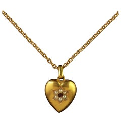 Antique Victorian 15 Carat Gold Heart Pendant and Chain Dated 1901