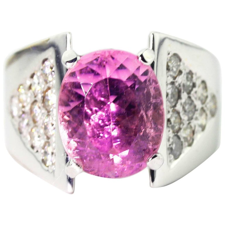 Splendid Kunzite and Diamond Gold Ring