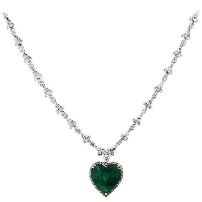 Heart Shape Emerald Diamond Necklace